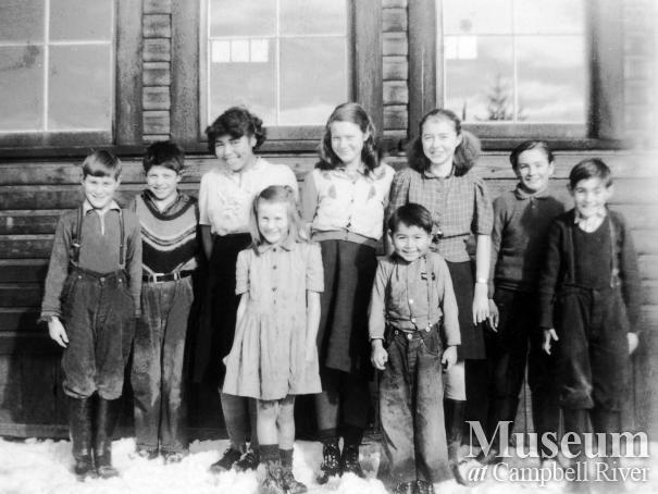 Children at Cape Mudge school