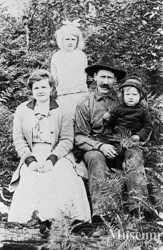 Stramberg family, Granite Bay, Quadra Island