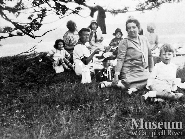 School year end picnic at Rebecca Spit, Quadra Island