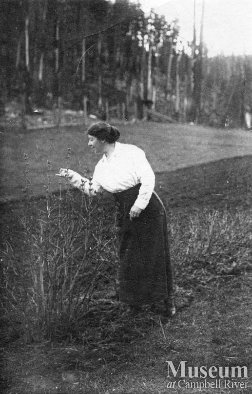 Agnes Twidle in her garden at Granite Bay