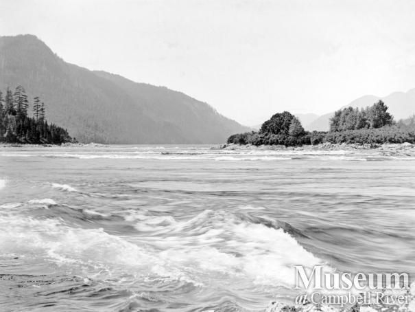 Dent (Yaculta) Rapids, Dent Islands