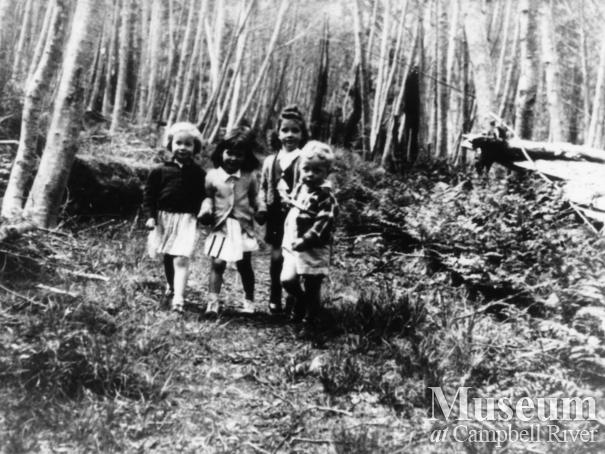 Group of children at Stuart Island