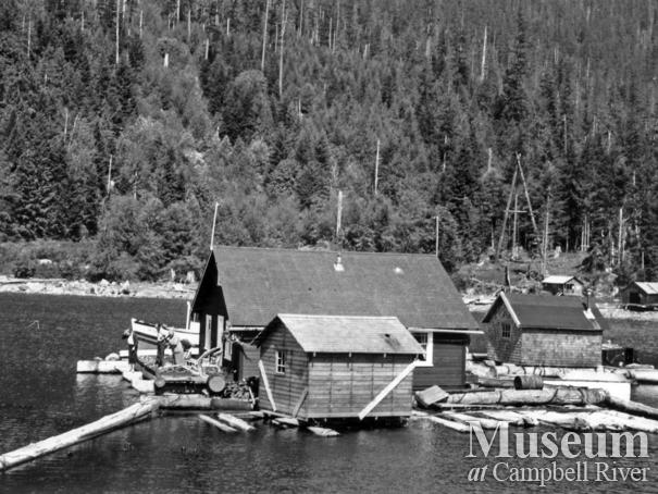 Percy Belsons float camp near Dent Island