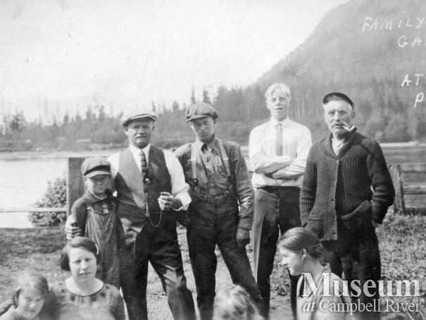 Hansen Family gathering at Port Neville, B.C.