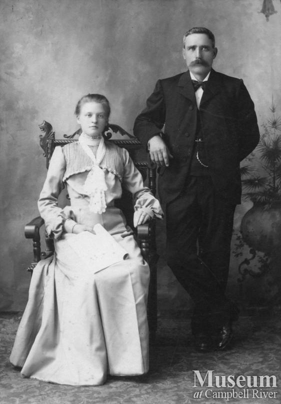 Anne Möller Fra Lvend og Kathinka with Hans Hansen