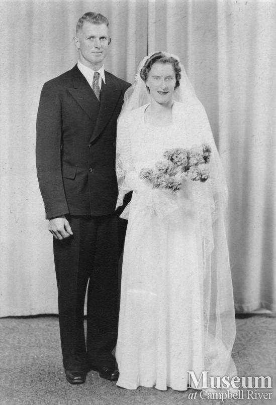 Harold Bendickson and Edith Hansen's wedding portrait