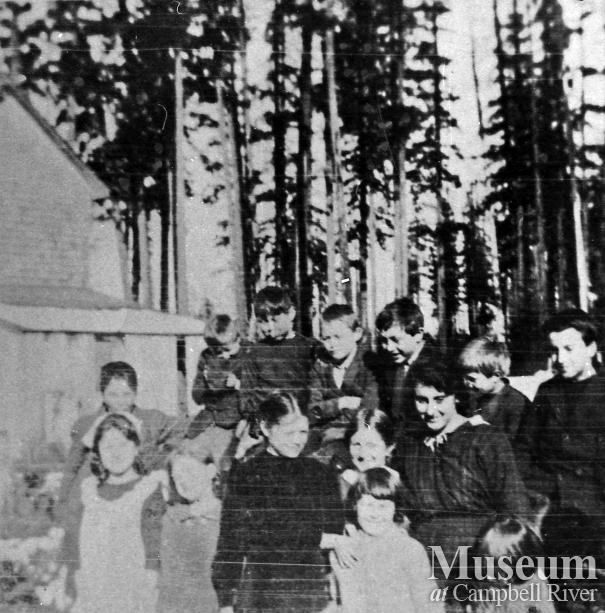 Students at Quadra Island School, 1927
