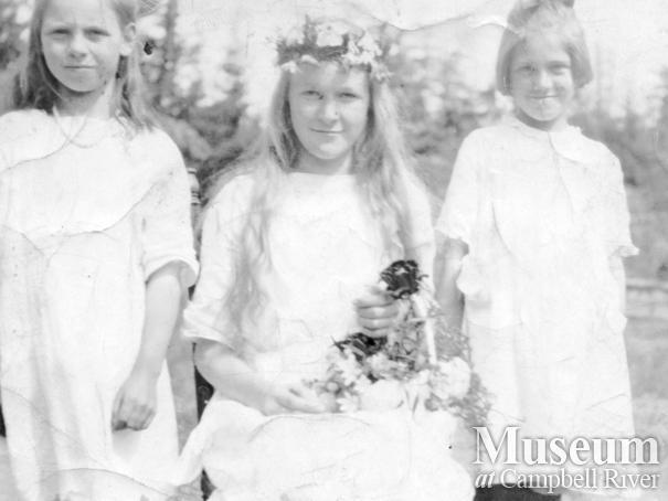 May Day celebrations on Quadra Island, 1922