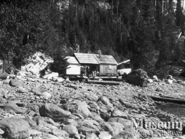 Schnarr family floathouse on the beach