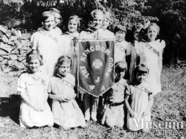 Young members of the Junior Women's Association